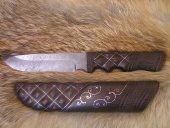 Нож Лось (Дамаск, орех, серебряная нить)