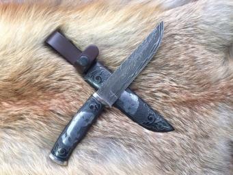 """Нож """"Бурый медведь"""" (Ламинат, Граб, Инкрустация, Подставка)"""